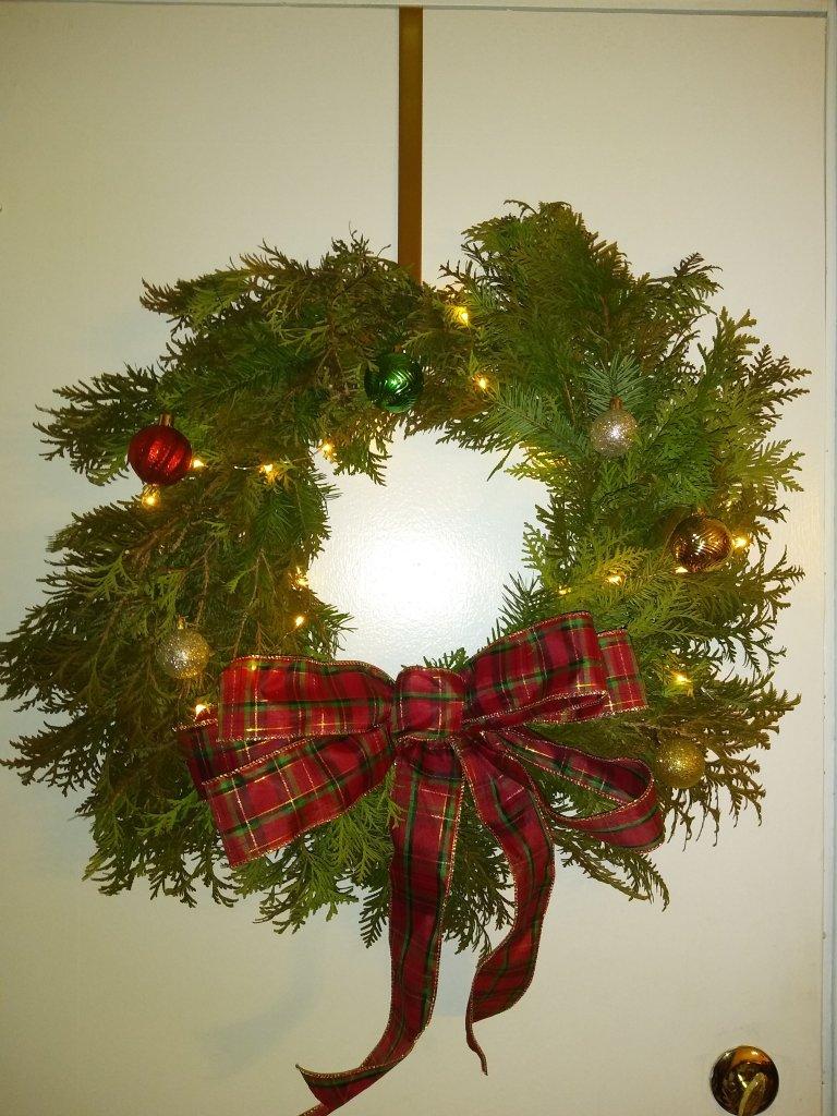Fresh Christmas Wreath Tutorial